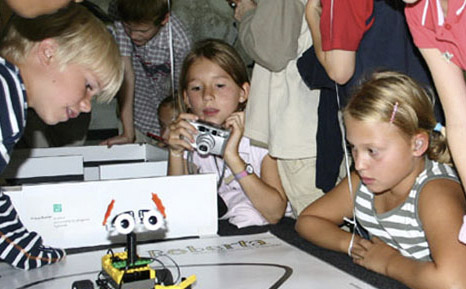 Image for Roberta - Learning with Robots